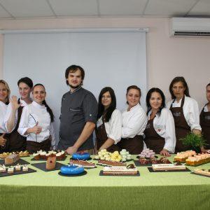 Шеф Александр Кислицын и студенты